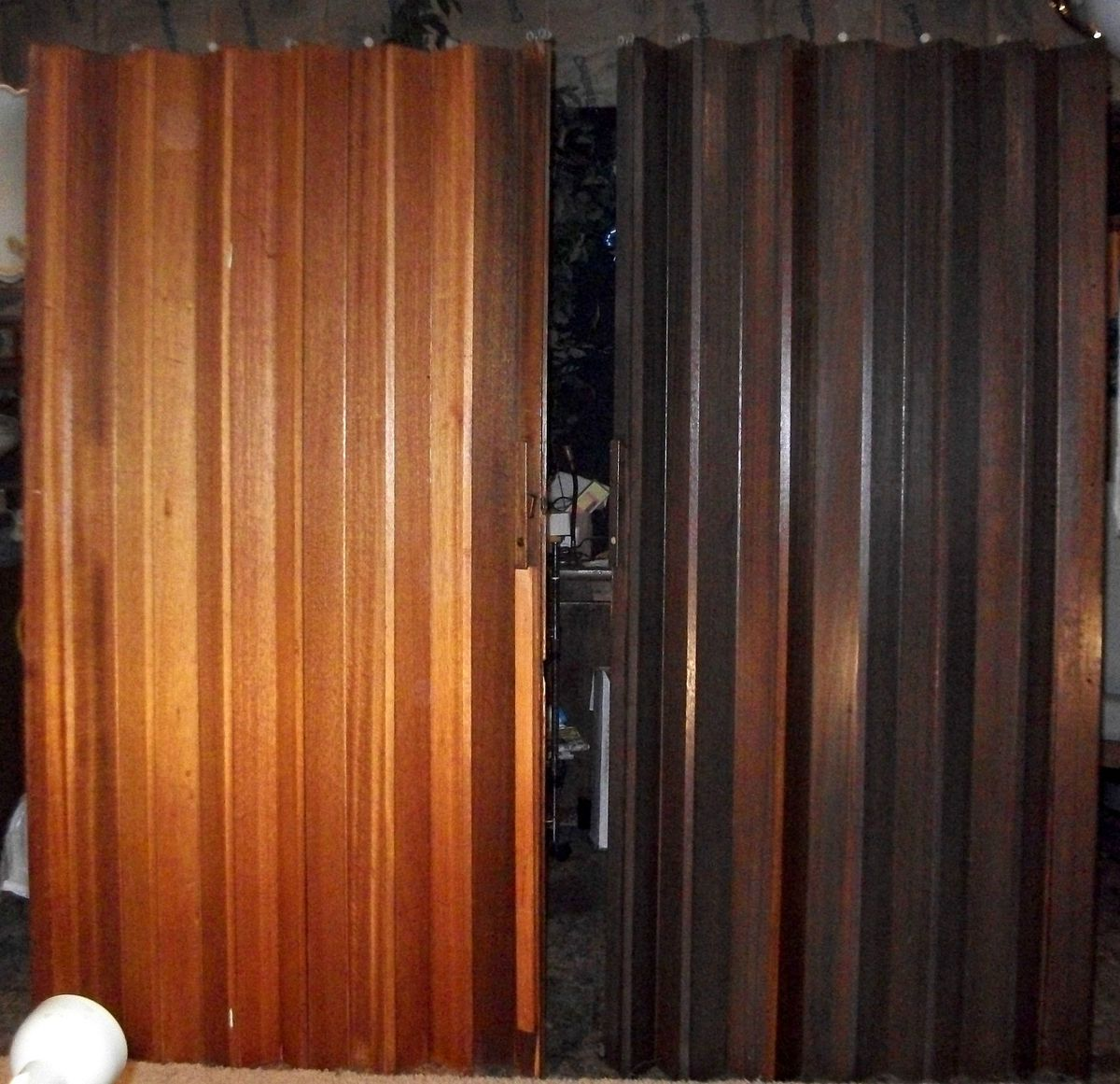 Wood Accordion Folding Door Room Divider
