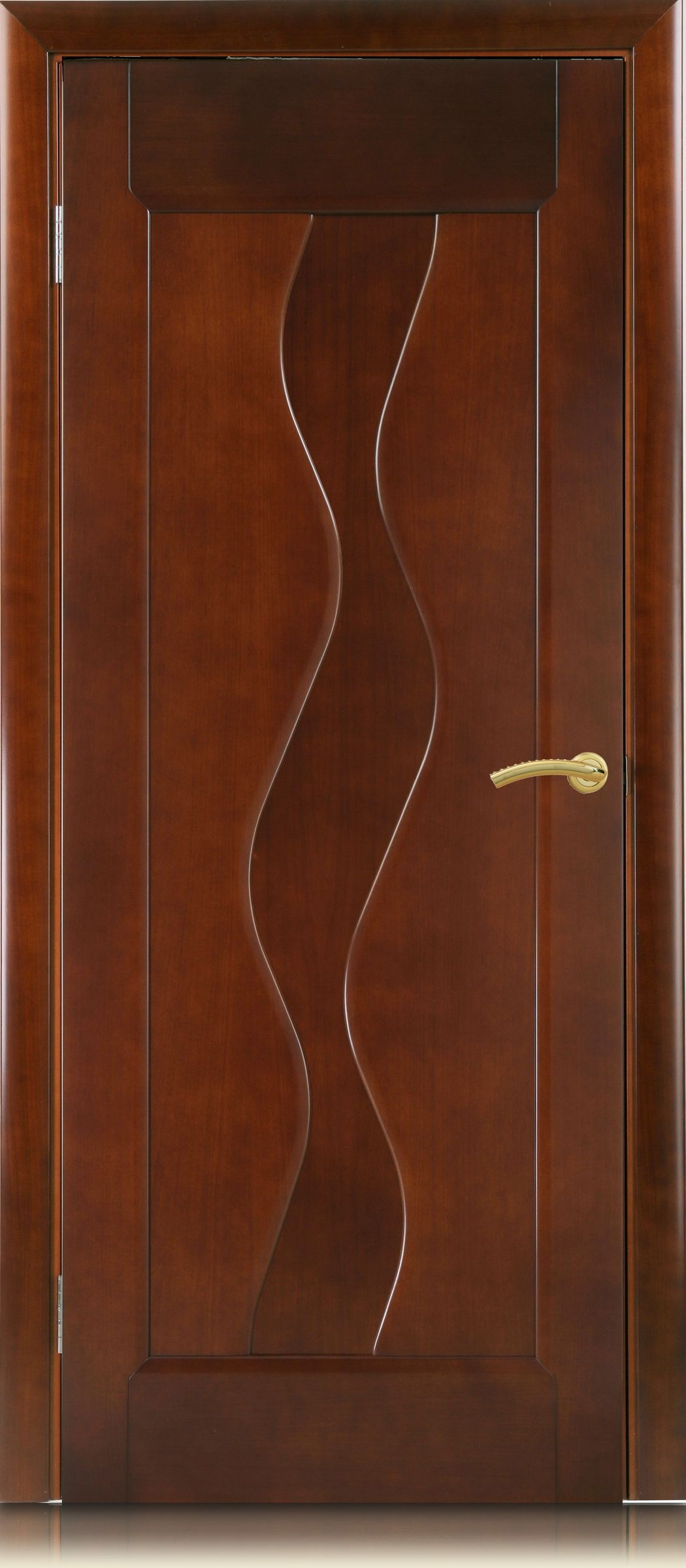 Beautiful wooden door – the perfect complement of the interior!