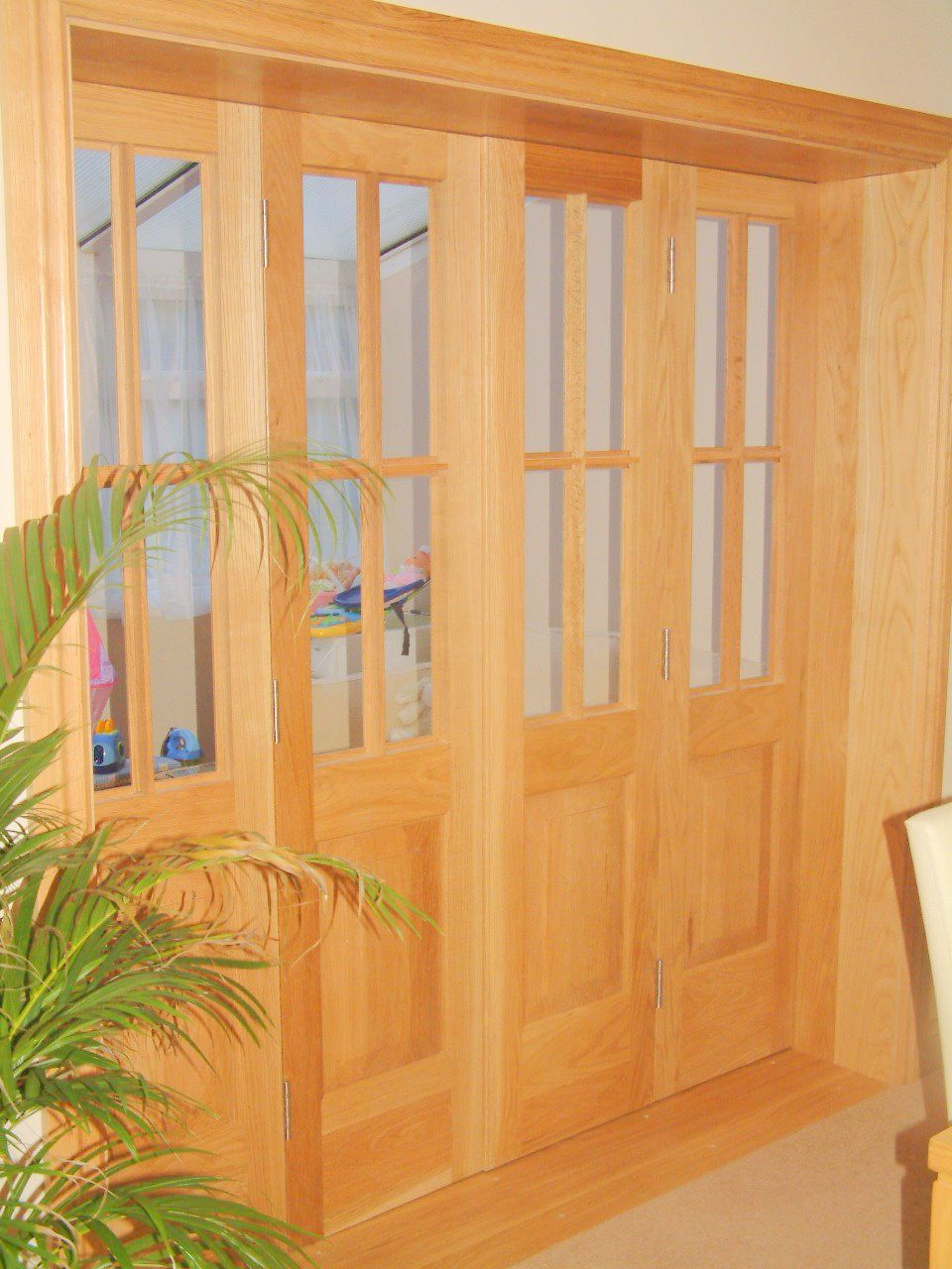 Folding interior door wood