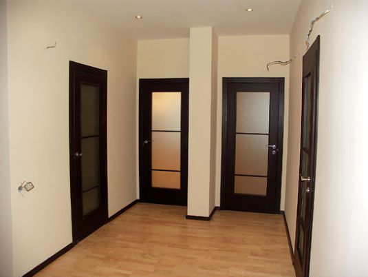 Identical design of the doors throughout the house
