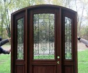 Installation of wooden doors photo