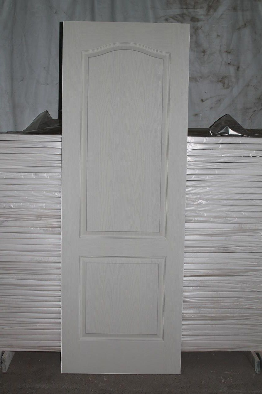 White interior masonite door before installing
