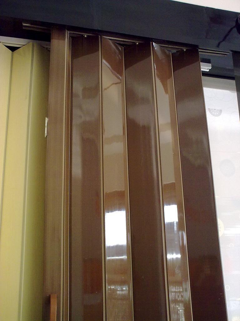 Glossy pvc folding door