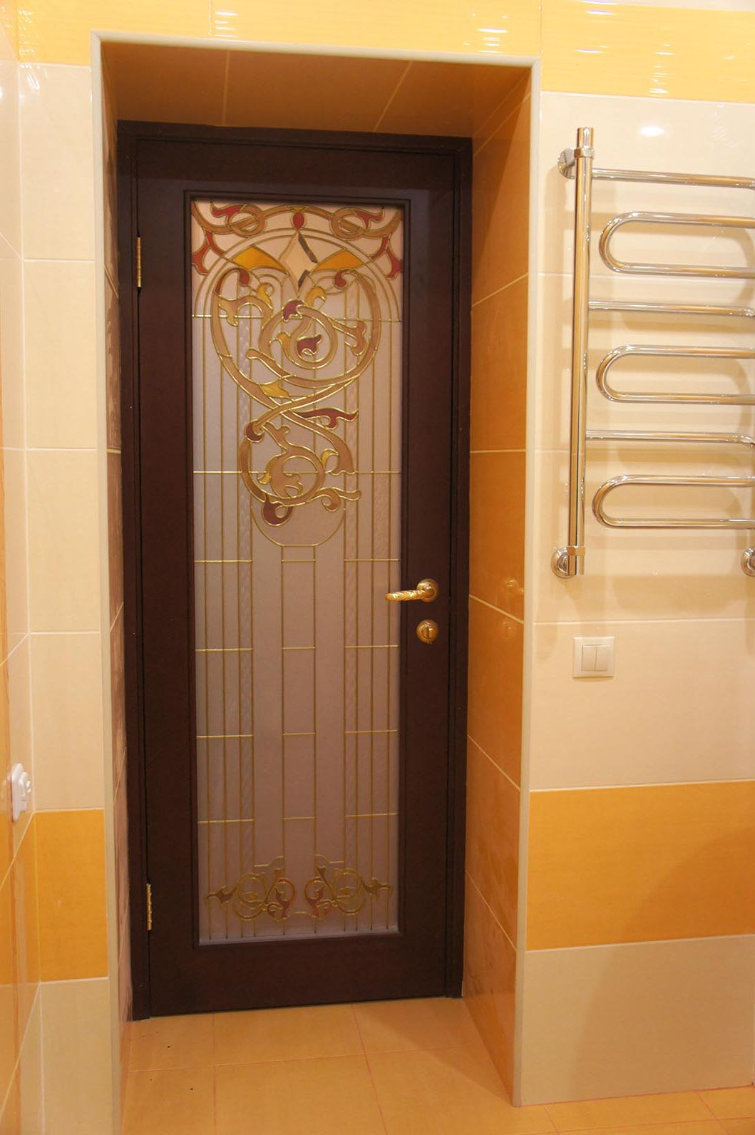 Plastic door with a large stained glass for bathroom
