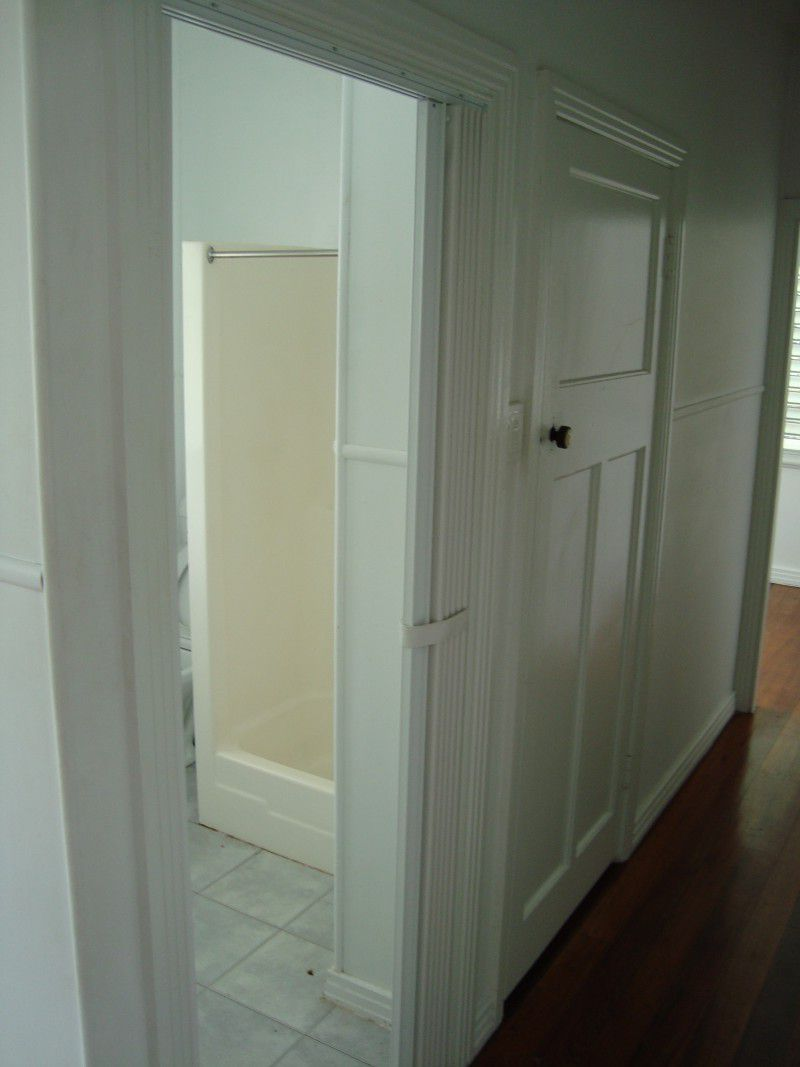 Vinyl folding door