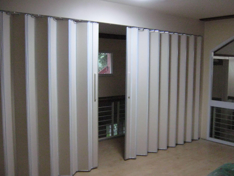 Vinyl folding interior doors