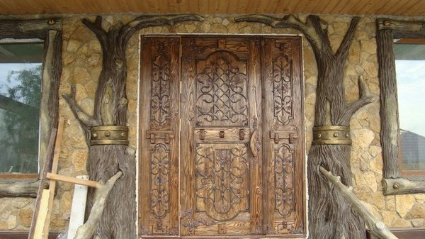 How to age wood for interior and exterior doors