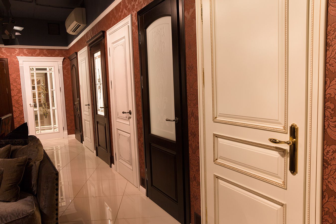 Luxury laminated doors in Baroque style