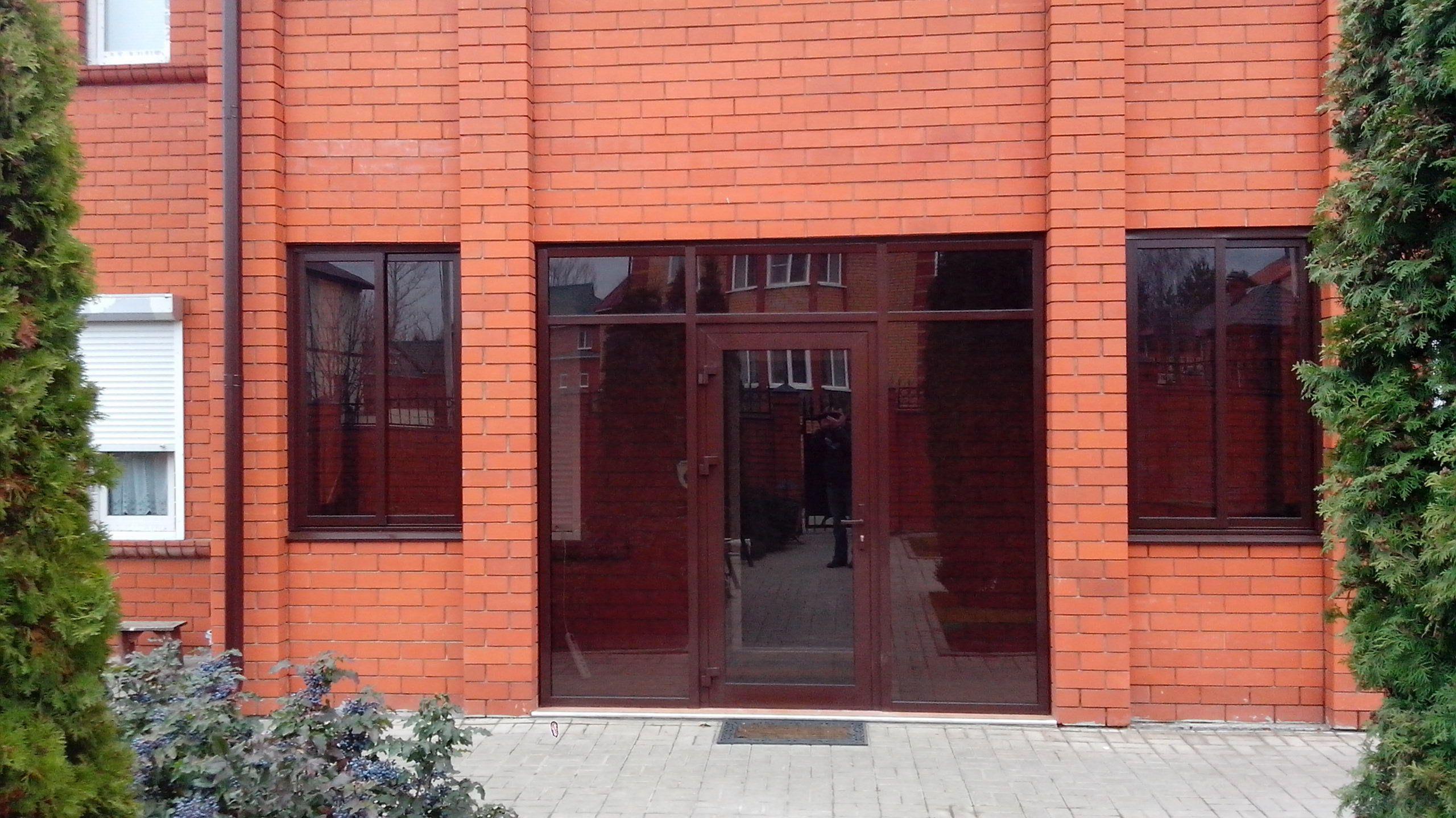 Modern aluminium entry doors