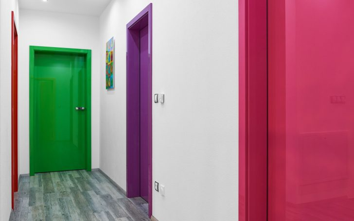 Red green purple and pink paint for interior doors 728x455 - Methods of decorative finishing of interior doors