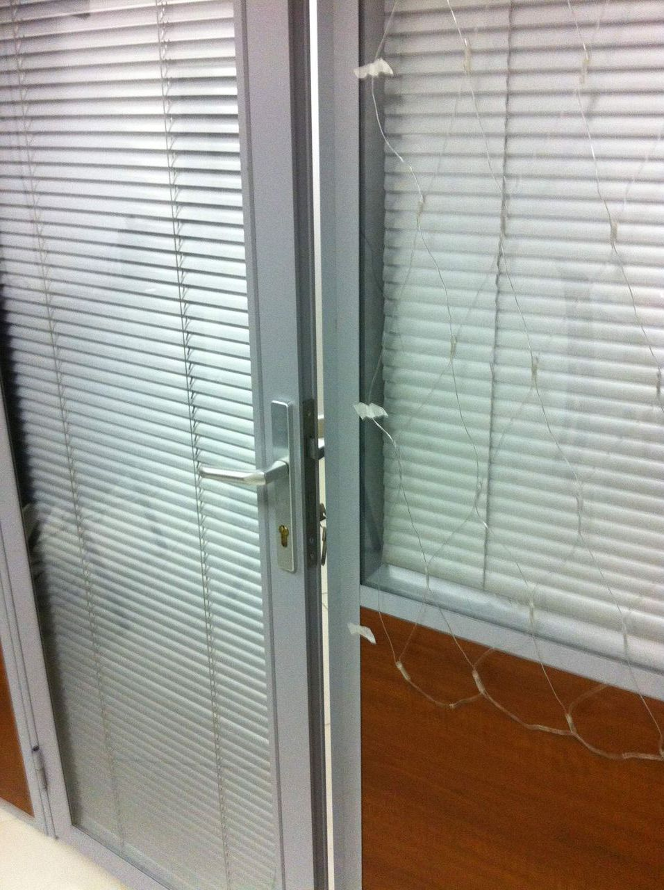 Office aluminium doors with glass and blinds