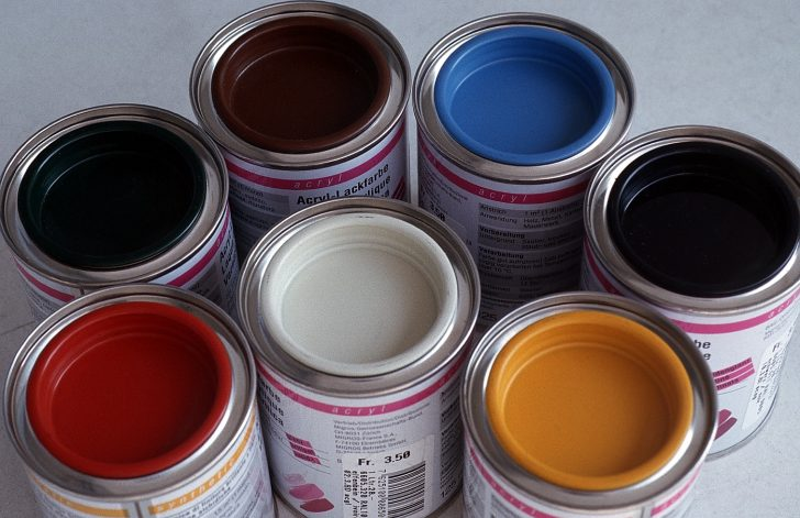 Acrylic paint for wood 728x471 - How to paint a door with your own hands
