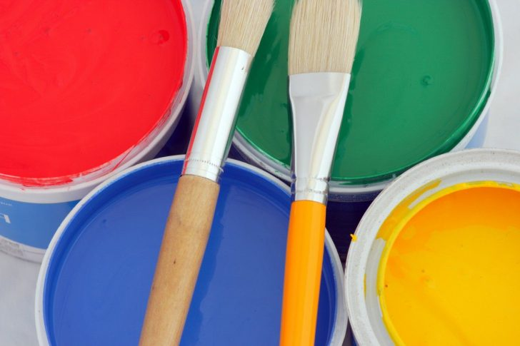 Alkyd paint for doors 728x485 - How to paint a door with your own hands