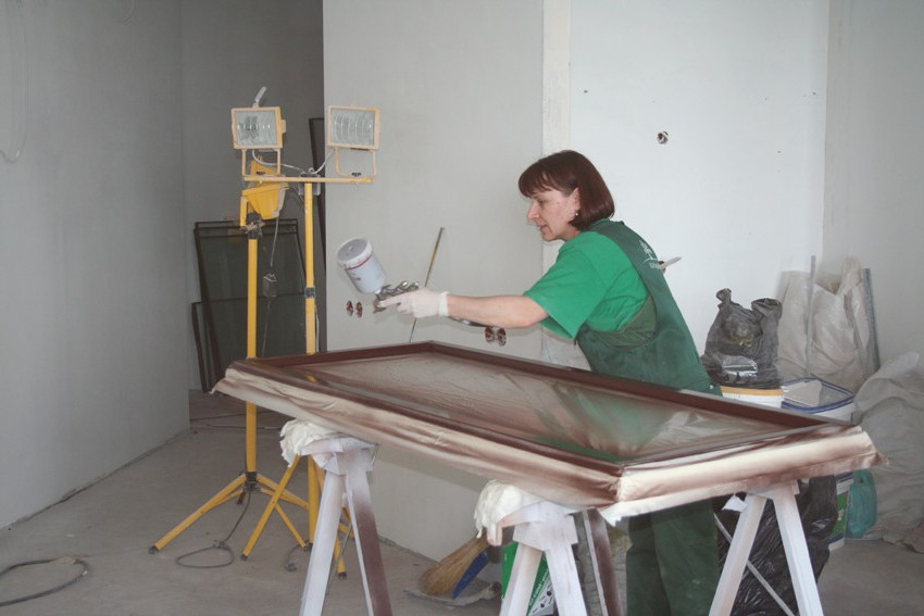 Painting wooden doors