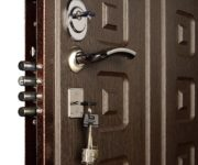 What is the weight of a metal door