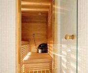 Hinged glass door for saunas