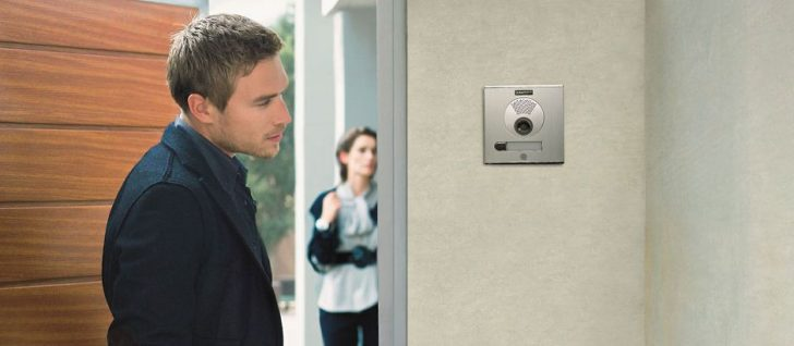 Video interphone 728x318 - Video call for a front door in an apartment. Video door phone.