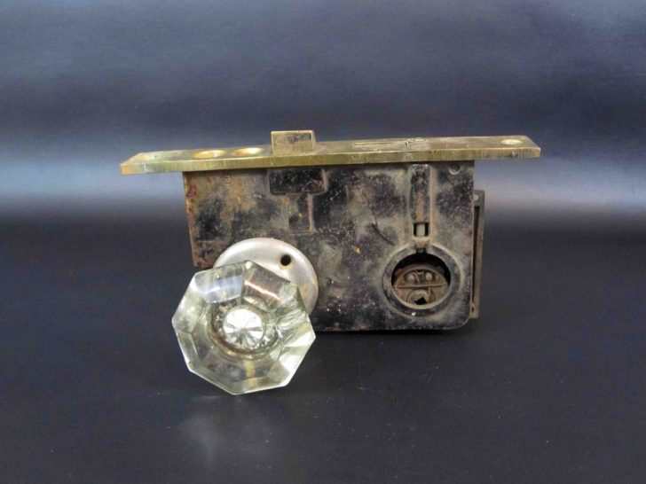 Crystal door knobs with lock