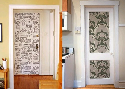 Decorating doors of a cloth