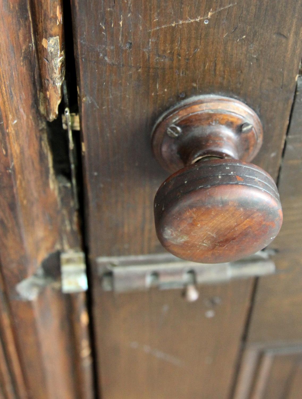Vintage wooden knob