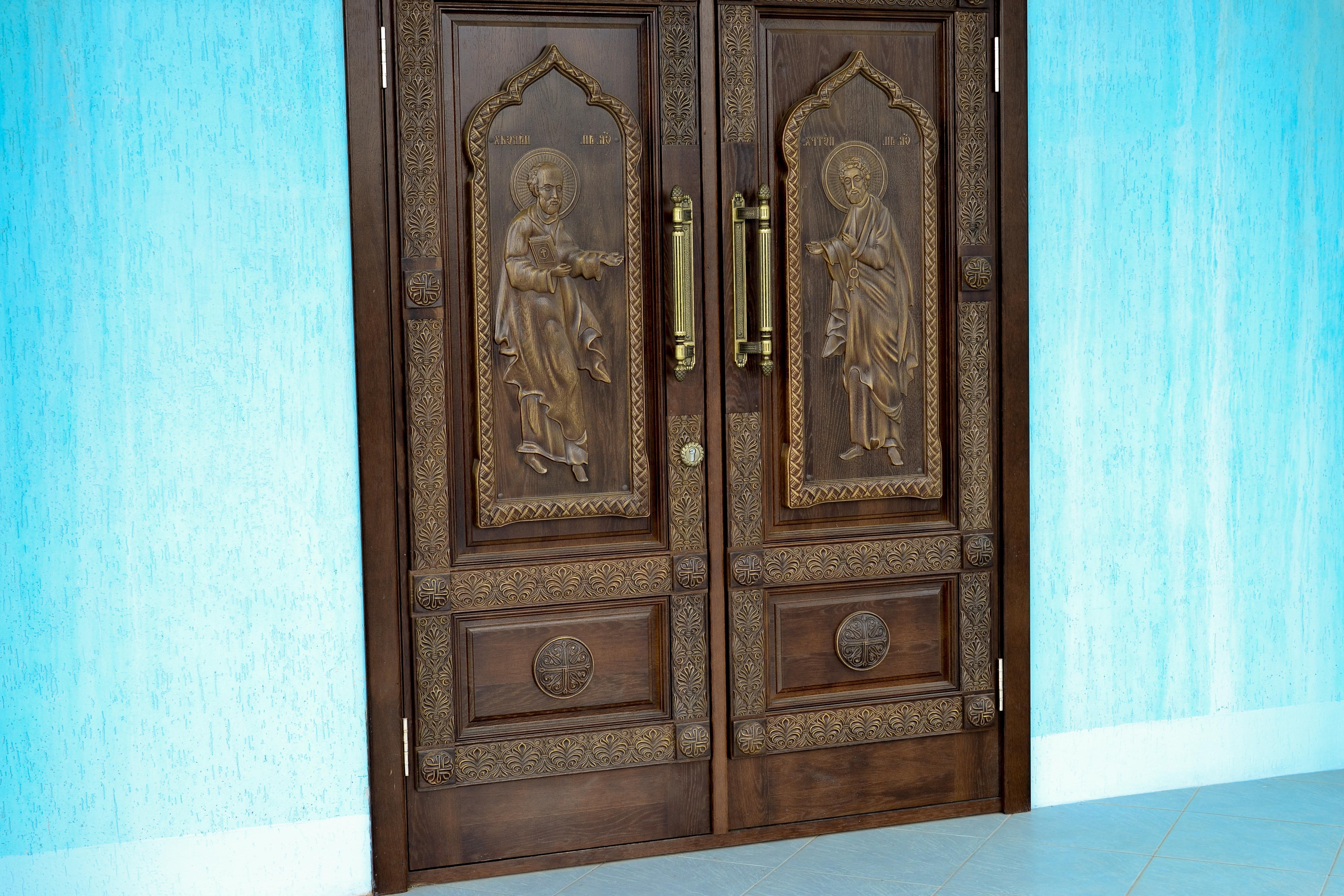 Wooden oak doors antiqued