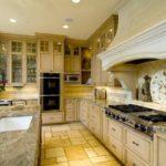 Italian Kitchen Decor – the charm of tradition