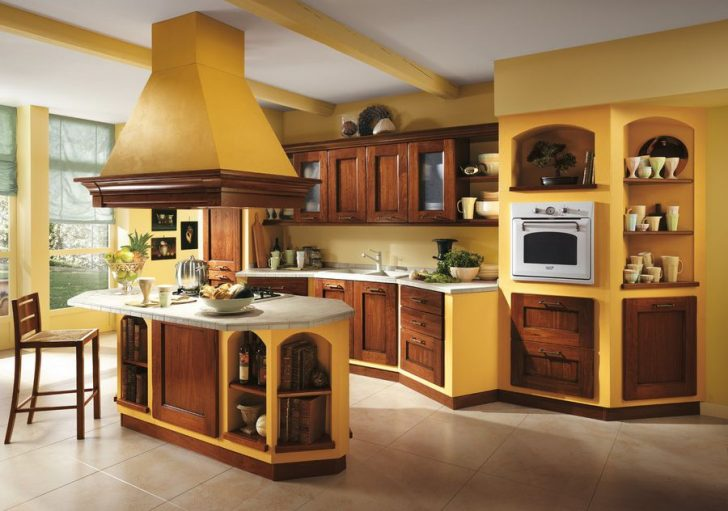Italian kitchen orange and yellow colors in the interior decoration 728x511 - Italian Kitchen Decor - the charm of tradition