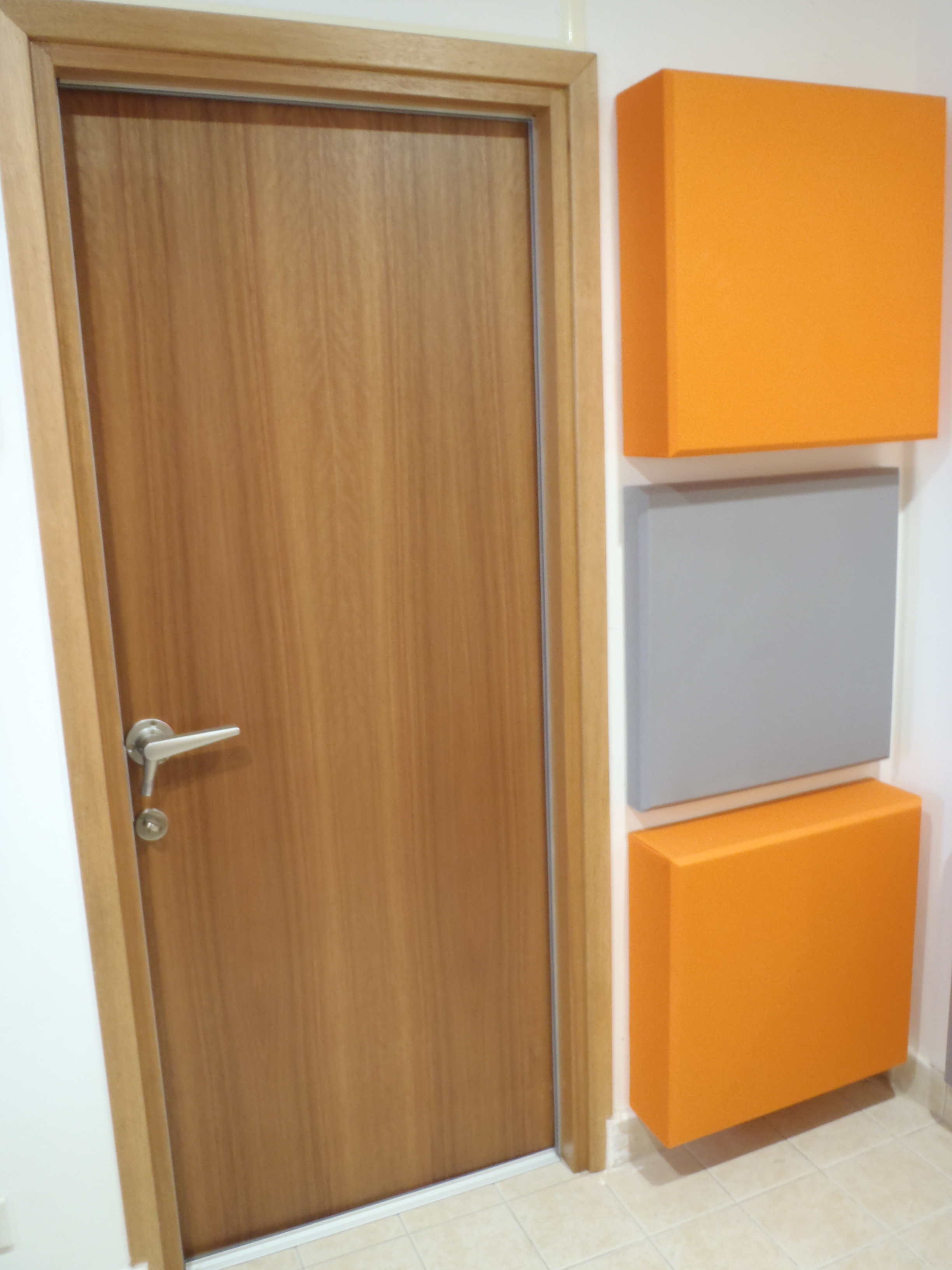Soundproof apartment door