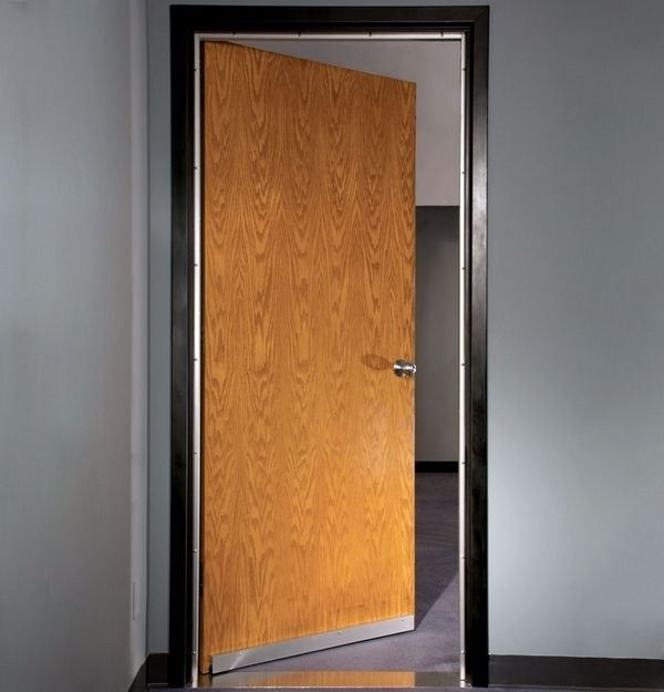 Solid wood door soundproof