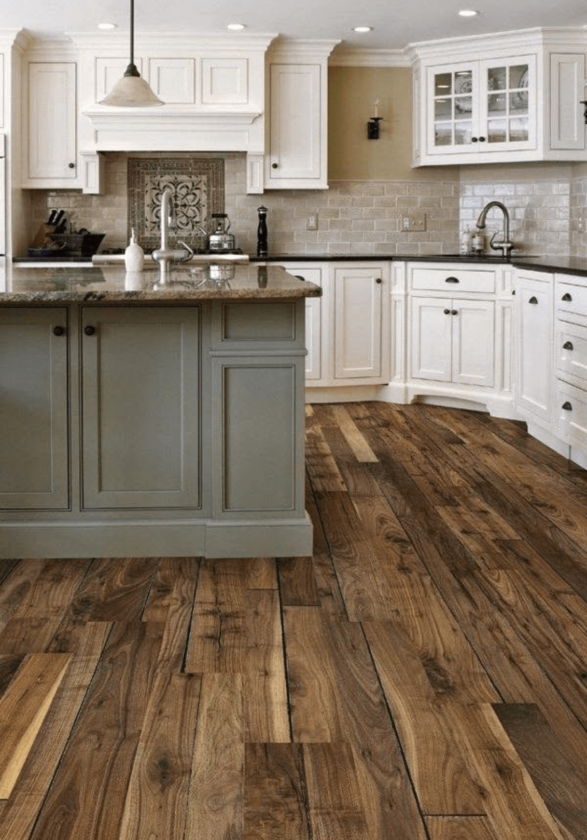 Flooring of parquet boards for kitchen contry stile for Country kitchen floor ideas