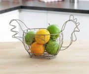 Kitchen decor in country style - decor items with chicken