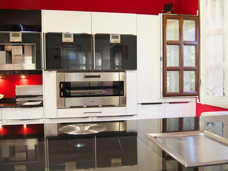 Modern Kitchen High Tech Style Furniture Black and red combination of colors 728x546 - High-Tech Kitchen