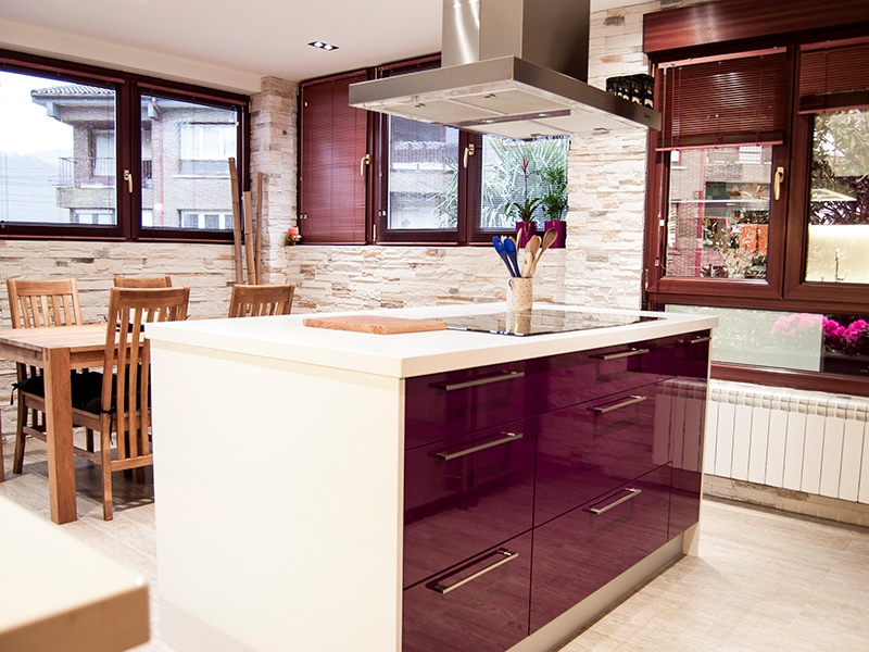 Modern kitchen hi-tech style eggplant color - blinds on windows, cooker hood, white ceiling