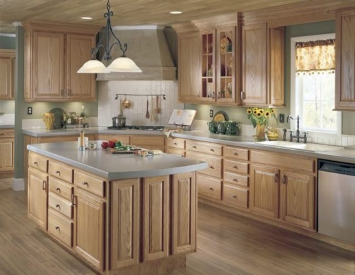 Pendant lighting fixtures kitchen ideas country style 728x564 - Country-Style Kitchens