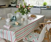 Textiles in the country style kitchen