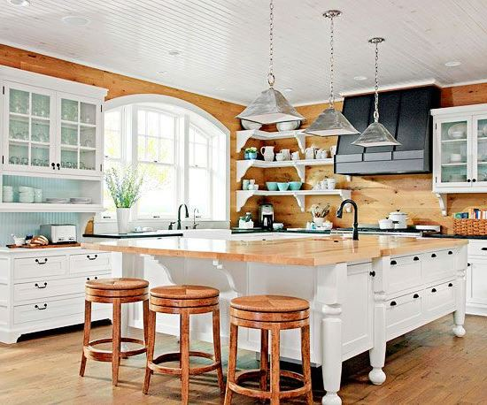 Wooden panels for walls - country kitchen