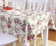 Floral patterns on tablecloths, towels, aprons or curtains