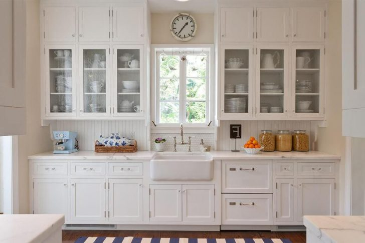 White color in Provence style decor 728x485 - Provence Style Kitchens – 100 ideas for interior