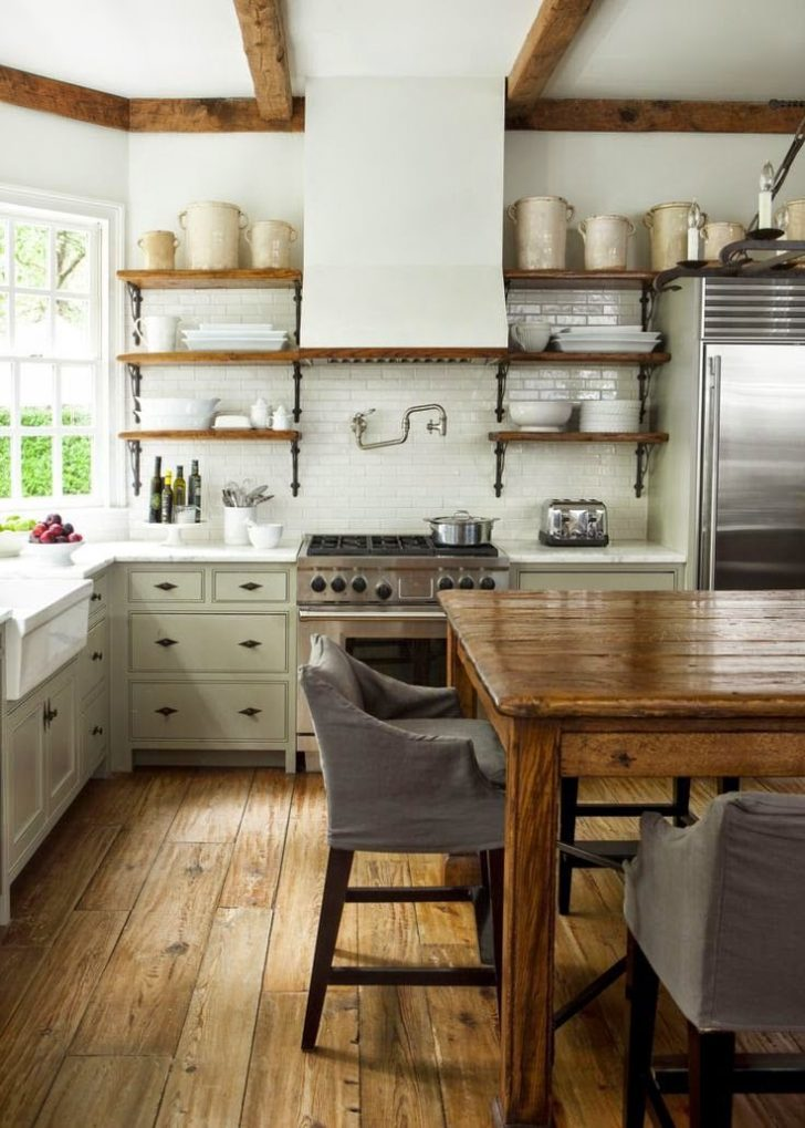 Wooden chairs – Provence Kitchen